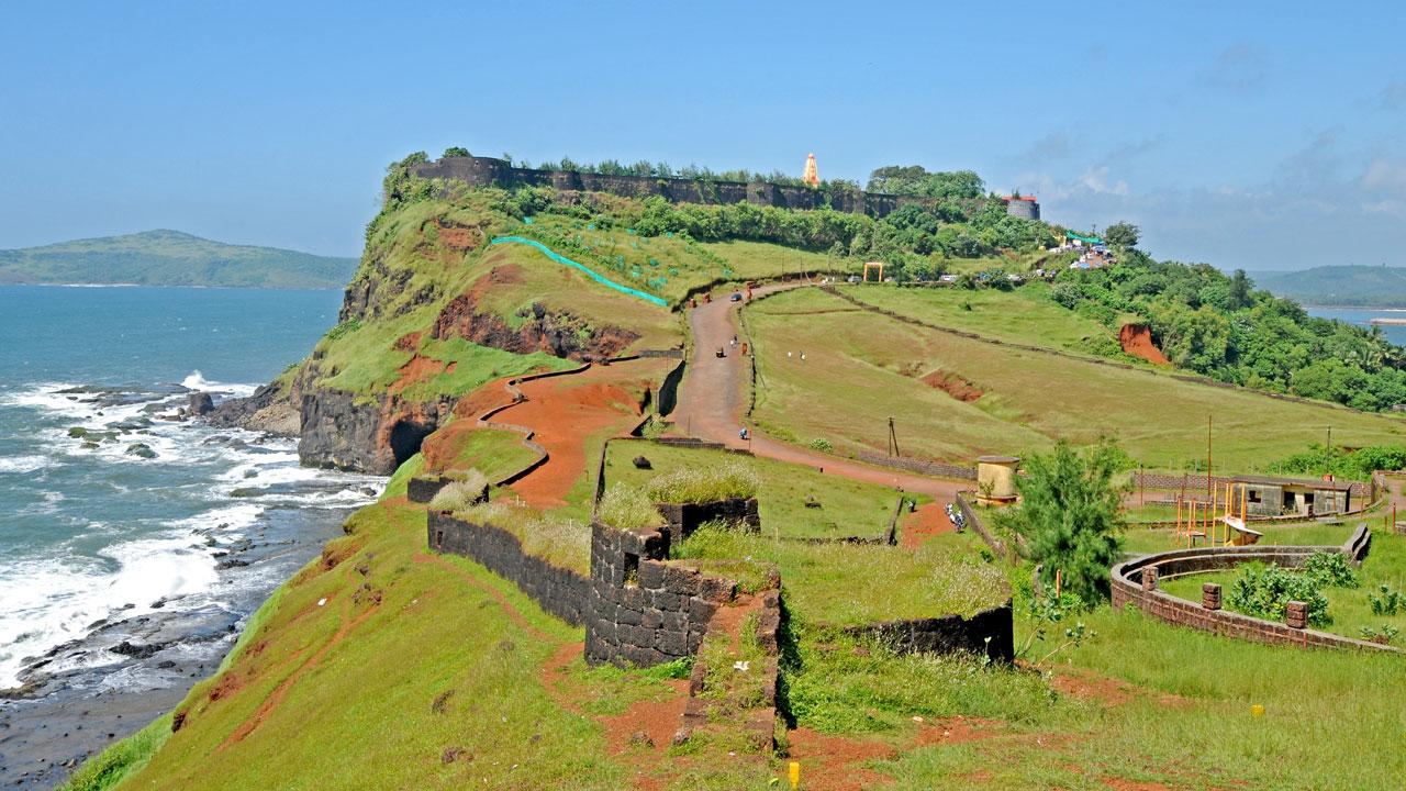 ratnadurg fort कोकणातील काही प्रसिद्ध किल्ले